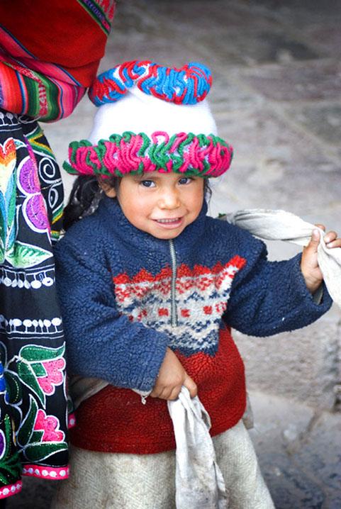 PhotoFly Travel Club | cusco girl wp copy | PhotoFly Travel Club