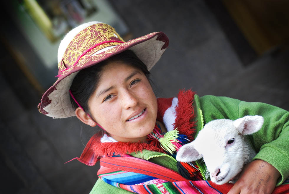PhotoFly Travel Club | Girl in Cusco | PhotoFly Travel Club
