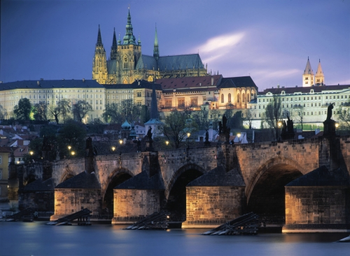 PhotoFly Travel Club | Prague Castle from River | PhotoFly Travel Club