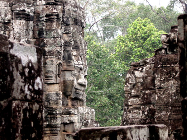 PhotoFly Travel Club | Angkor Wat Face | PhotoFly Travel Club