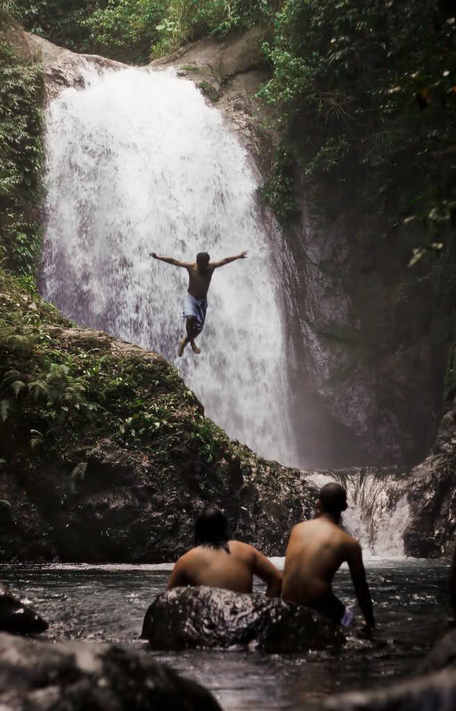 Anuplig Falls