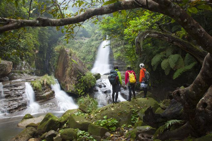 PhotoFly Travel Club | island_hopping-nirakanai-hiking | PhotoFly Travel Club
