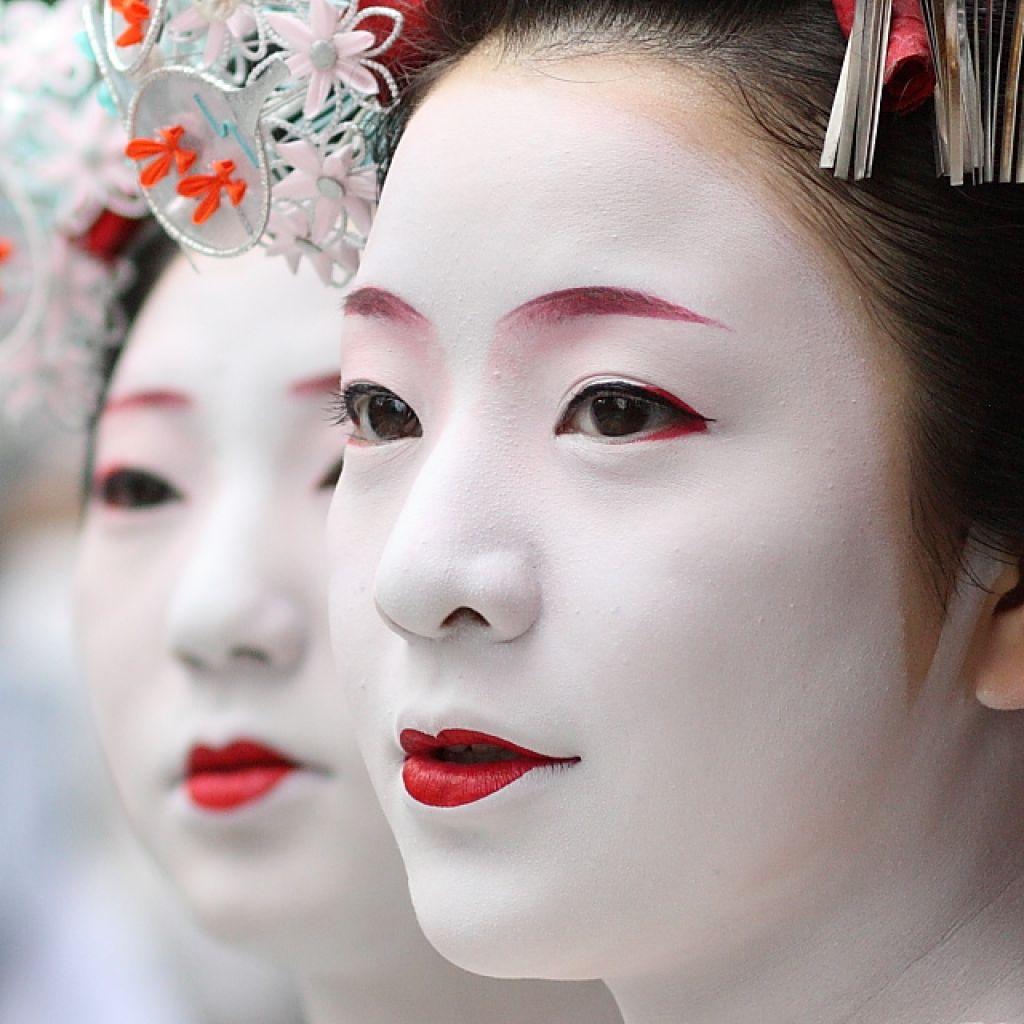 PhotoFly Travel Club | traditional-geisha-makeup-5433500d0cc2e | PhotoFly Travel Club