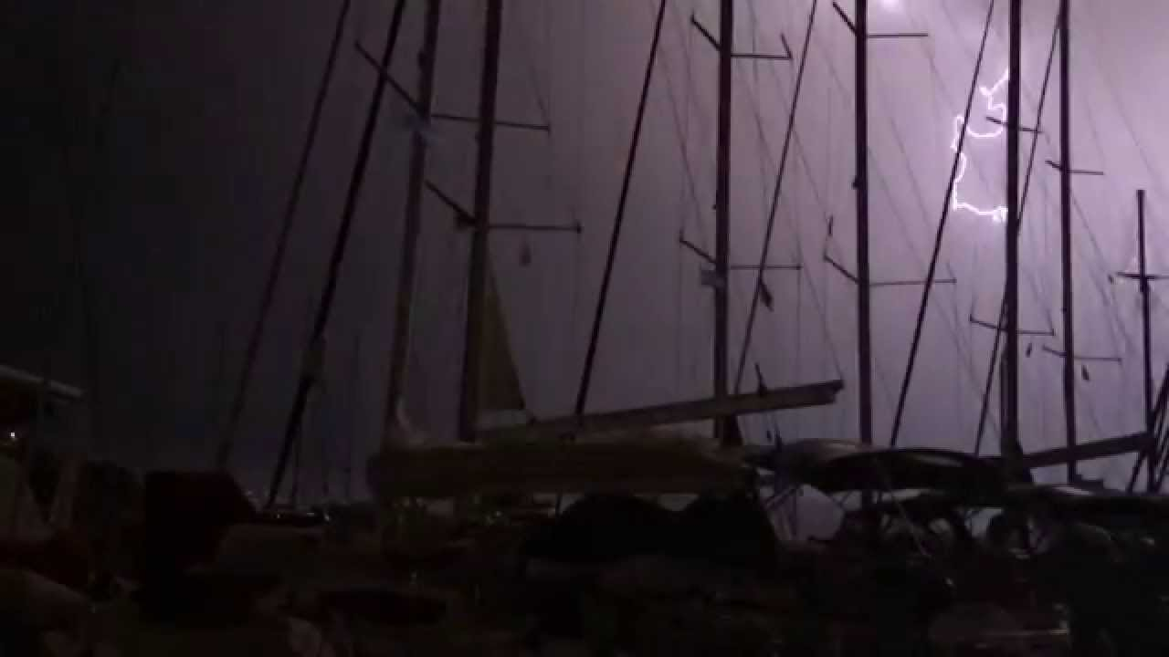 PhotoFly Travel Club | Lightning storm in greece | PhotoFly Travel Club