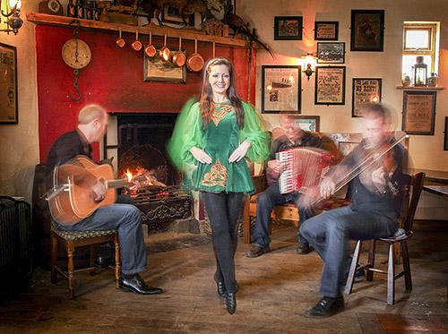 PhotoFly Travel Club | Merry Ploughboy Pub Irish Dancing | PhotoFly Travel Club