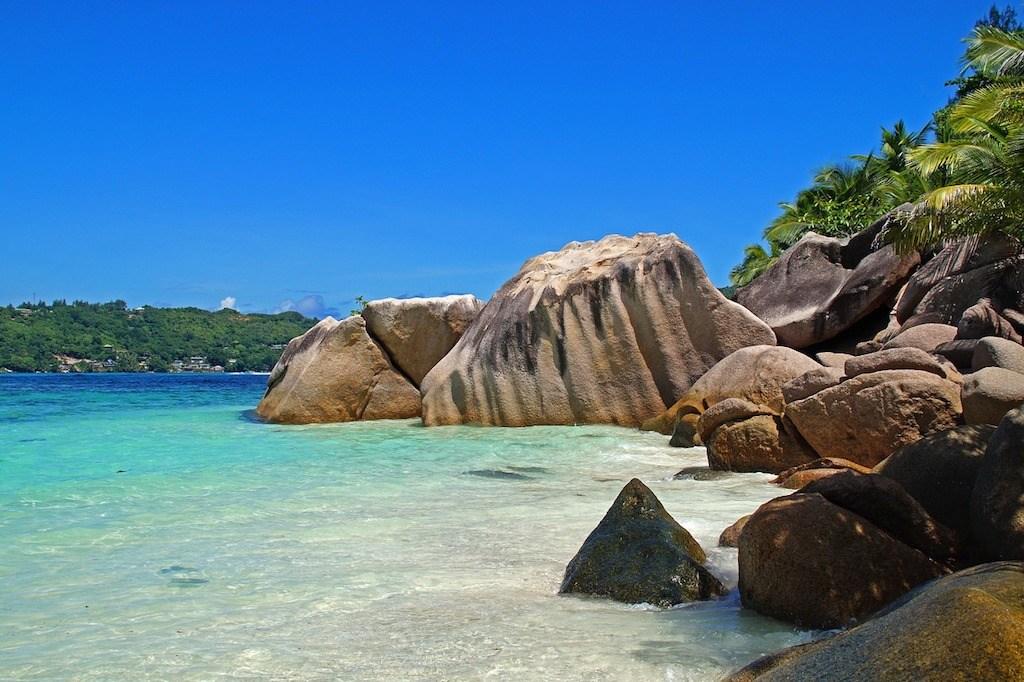 PhotoFly Travel Club | Seychelles beach group tours | PhotoFly Travel Club