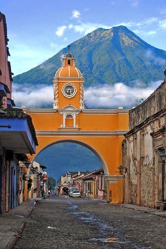 PhotoFly Travel Club | antigua-guatemala-arch volcano | PhotoFly Travel Club