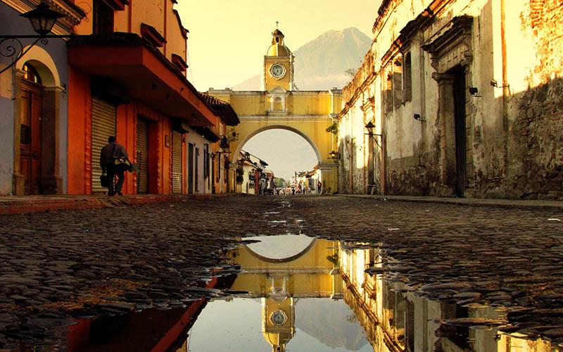 PhotoFly Travel Club | antigua-guatemala-arco-santa-catalina | PhotoFly Travel Club