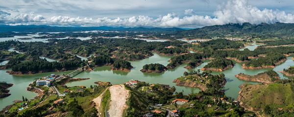 PhotoFly Travel Club | Guatape-Lakes-Pano | PhotoFly Travel Club