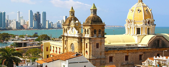 PhotoFly Travel Club | Historic center of Cartagena, Colombia with the Caribbean Sea | PhotoFly Travel Club