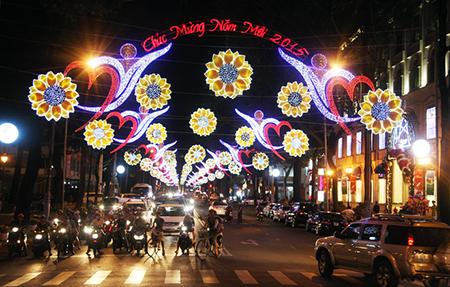 PhotoFly Travel Club | sai-gon-don-nam-2015-8 (1) | PhotoFly Travel Club
