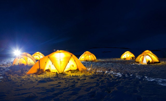 PhotoFly Travel Club   Basecamp_PLA29_Camping_on_Antarctica_©_Richard_Wadey-Oceanwide_Expeditions_Kit_32   PhotoFly Travel Club