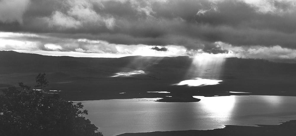 PhotoFly Travel Club | Crater Light Pan crop4 favorite WP | PhotoFly Travel Club