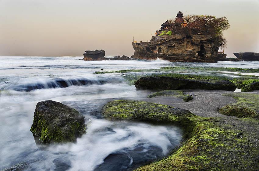 PhotoFly Travel Club | Tanah Lot Sunset Swirl WP | PhotoFly Travel Club
