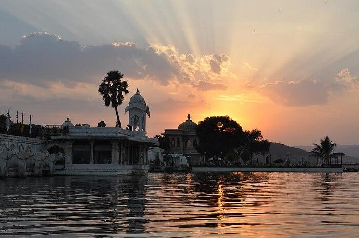 PhotoFly Travel Club | lake-pichola-udaipur-jagdish-karwal | PhotoFly Travel Club