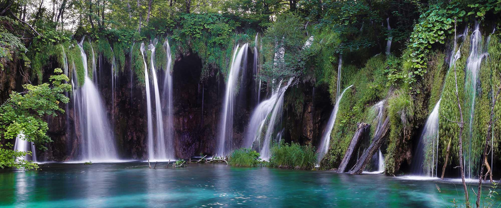 PhotoFly Travel Club   2 Pics page waterfall   PhotoFly Travel Club
