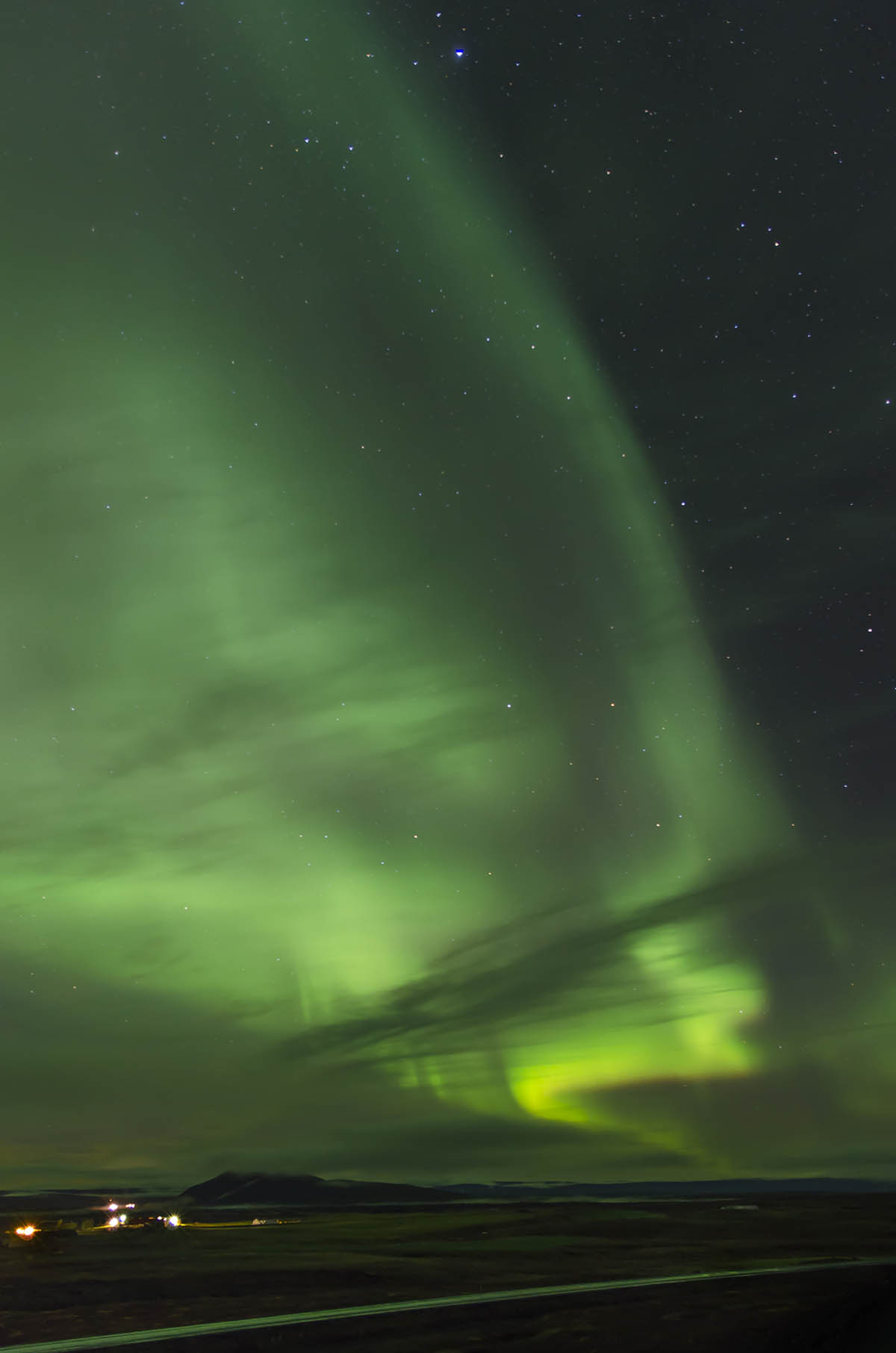 PhotoFly Travel Club | iceland Northern Lights Vert Crop | PhotoFly Travel Club