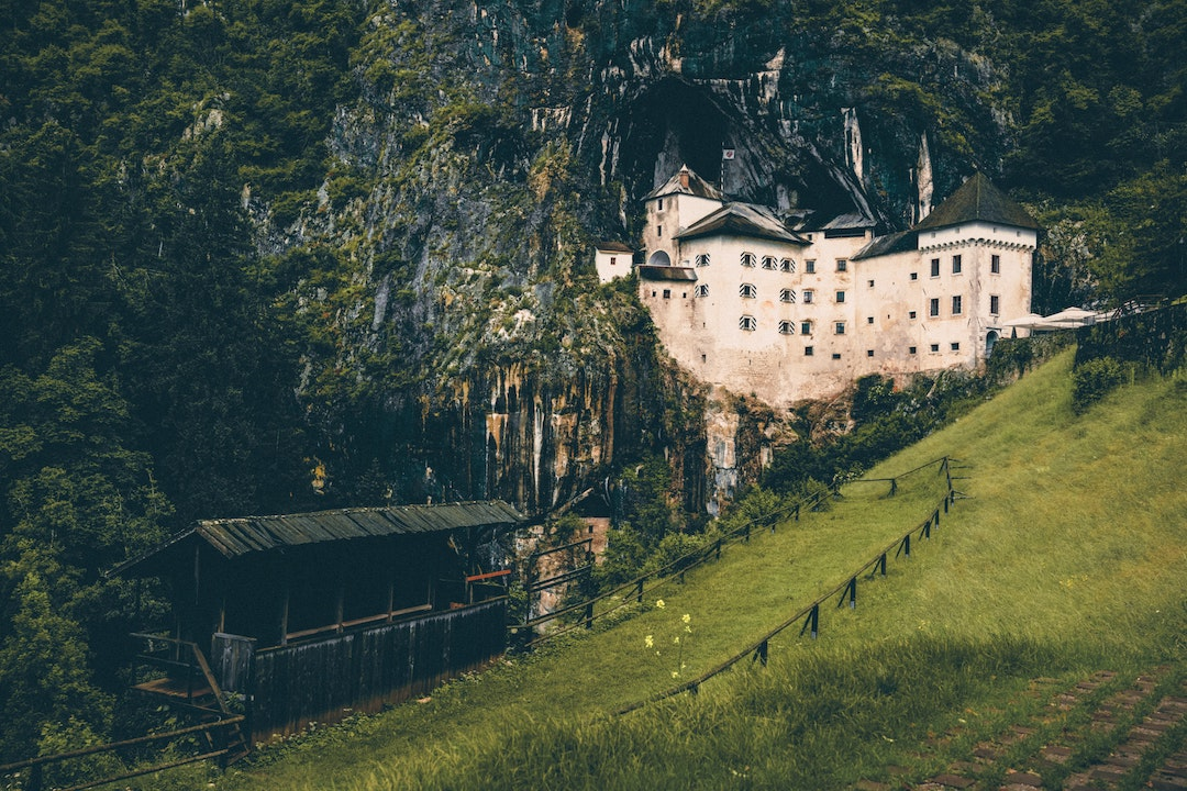 PhotoFly Travel Club | Slovenia_Predjama | PhotoFly Travel Club